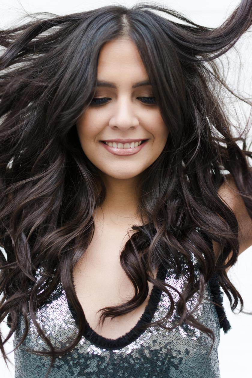 Cambia de look con #HairoverHeel con extensiones de Clip